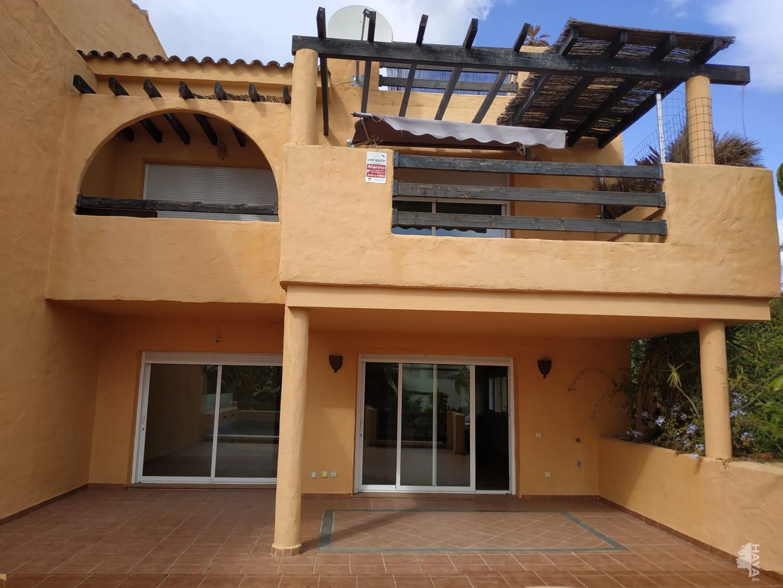 Piso en venta en El Campanario Estepona, Estepona, Málaga, Calle Tolox, 300.000 €, 2 habitaciones, 2 baños, 305 m2