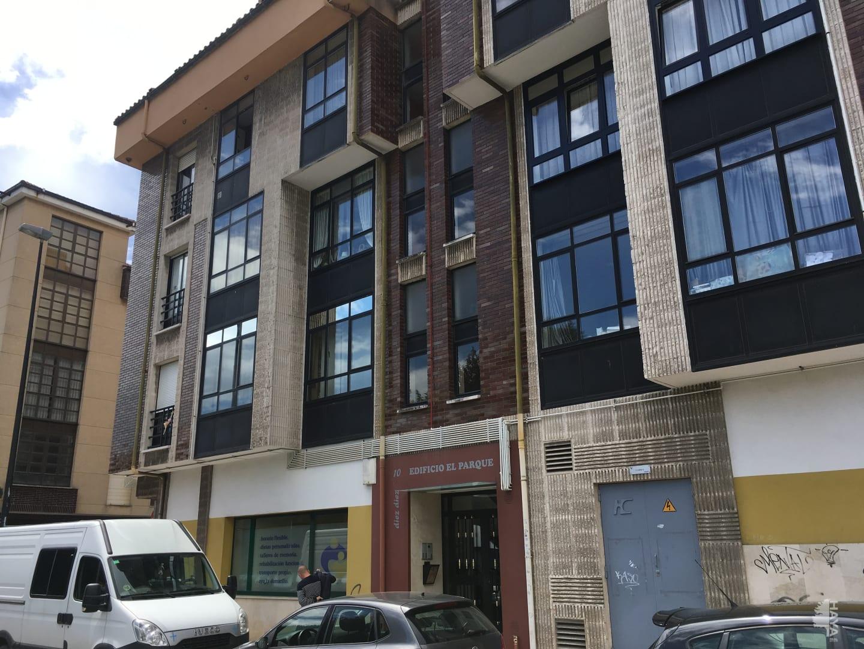 Piso en venta en Lugo de Llanera, Llanera, Asturias, Avenida Carrion, 97.000 €, 4 habitaciones, 2 baños, 113 m2