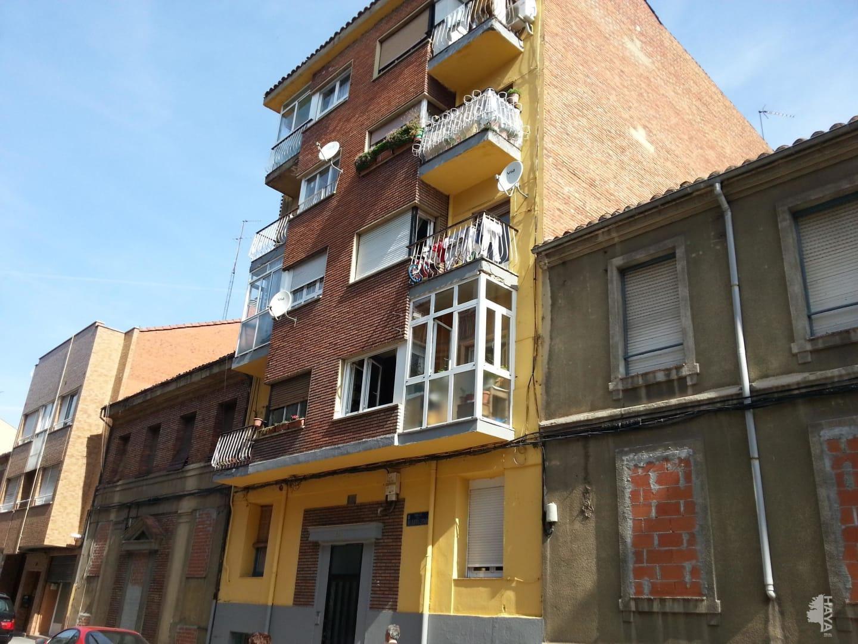 Piso en venta en Eras de Renueva, León, León, Calle Relojero Losada, 44.000 €, 3 habitaciones, 1 baño, 99 m2