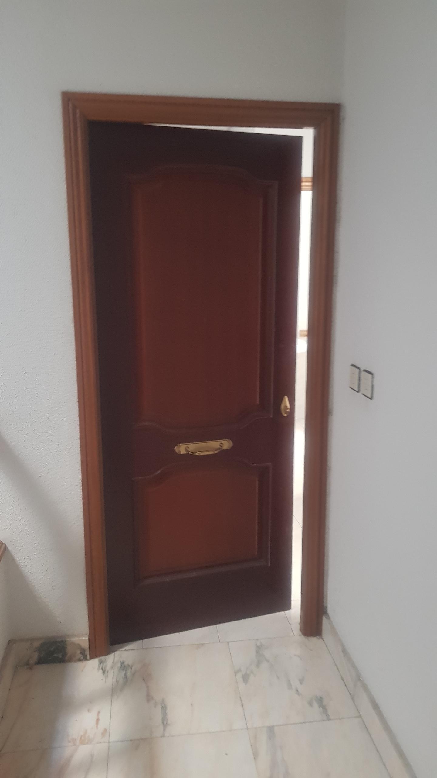 Piso en venta en Moraleja, Cáceres, Avenida Lusitania, 82.000 €, 4 habitaciones, 2 baños, 155 m2