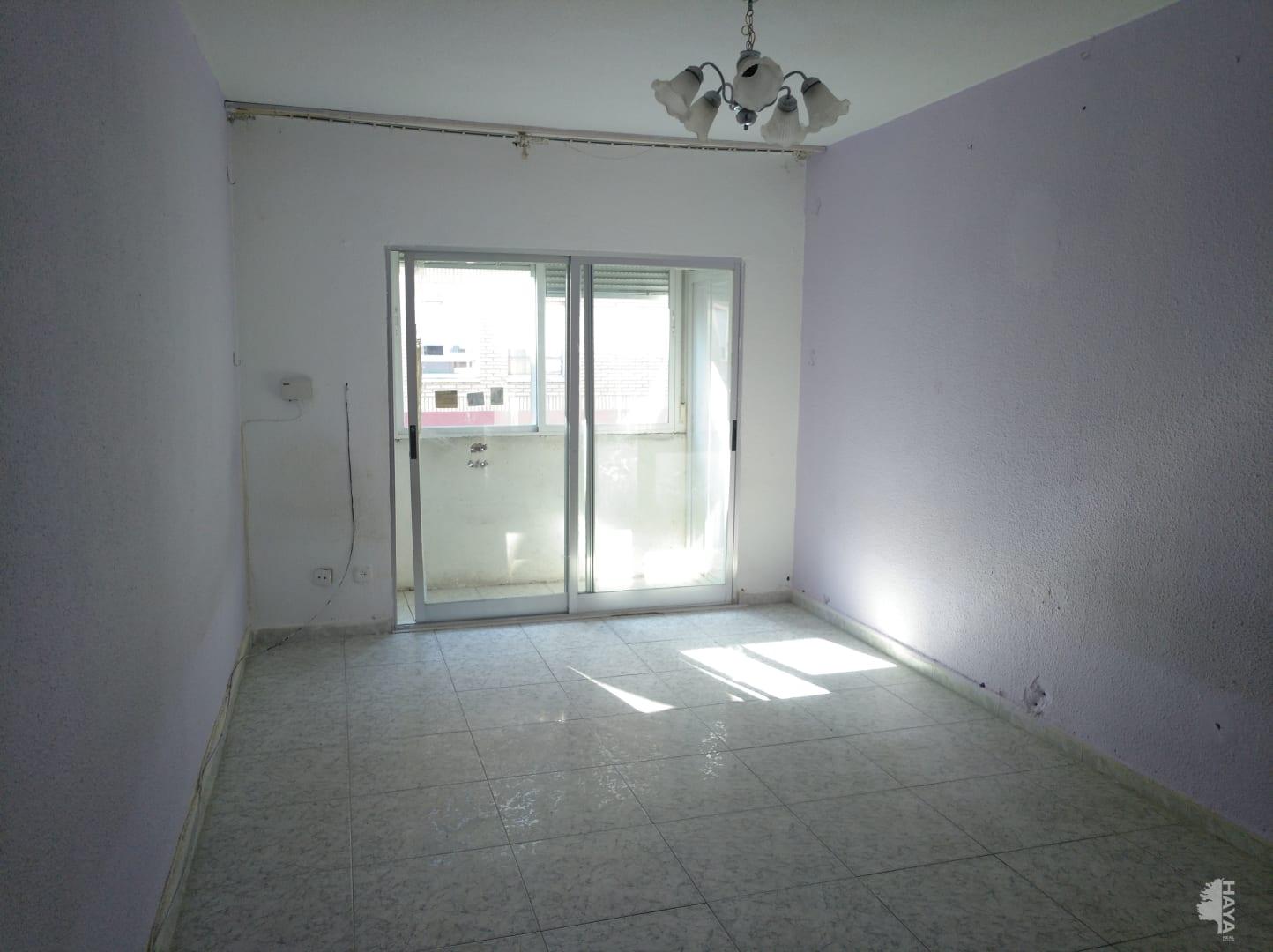 Piso en venta en La Laguna, Parla, Madrid, Calle San Anton, 99.826 €, 3 habitaciones, 1 baño, 84 m2