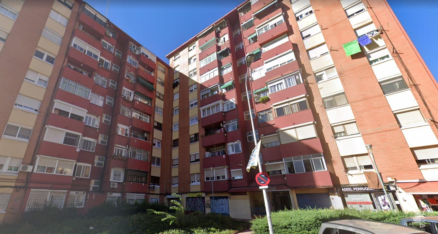 Piso en venta en Badalona, Barcelona, Avenida Doctor Bassols, 97.200 €, 4 habitaciones, 1 baño, 86 m2