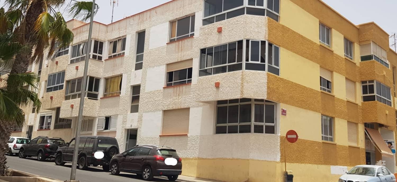 Piso en venta en Puerto del Rosario, Las Palmas, Calle Don Quijote, 64.300 €, 4 habitaciones, 1 baño, 101 m2