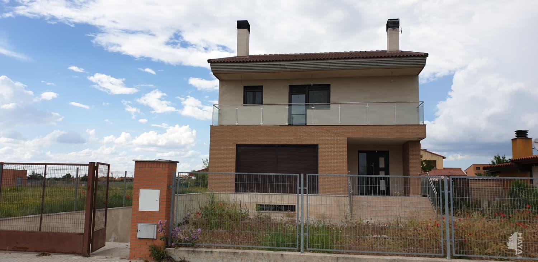 Casa en venta en Aldeamayor de San Martín, Valladolid, Calle Fuentes Carrionas, 319.500 €, 4 habitaciones, 4 baños, 481 m2