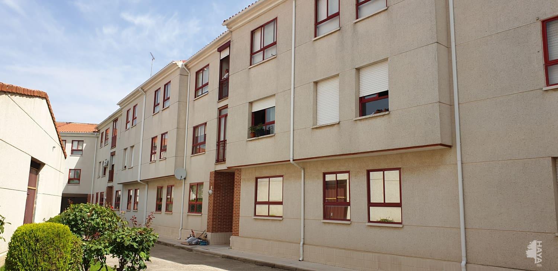 Piso en venta en Cigales, Valladolid, Avenida de Valladolid, 47.482 €, 2 habitaciones, 1 baño, 74 m2