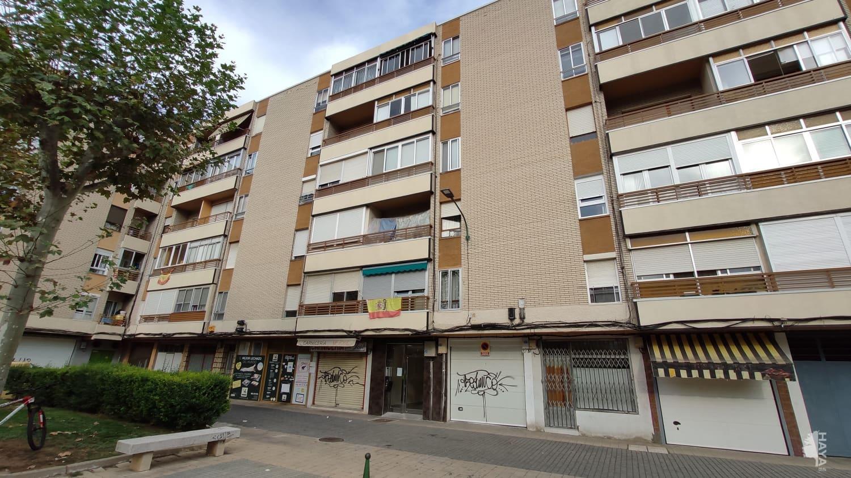 Piso en venta en Las Delicias, Valladolid, Valladolid, Calle Caamaño, 55.600 €, 3 habitaciones, 1 baño, 86 m2