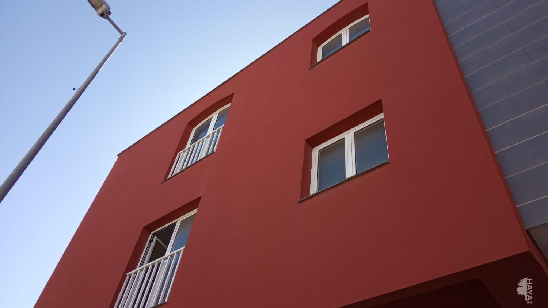 Piso en venta en Barrio Buenavista, Puerto del Rosario, Las Palmas, Calle Virgen de la Peña, 76.930 €, 4 habitaciones, 1 baño, 55 m2