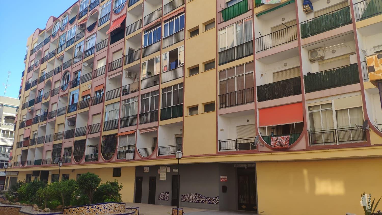 Piso en venta en Torrevieja, Alicante, Calle Gases (los), 64.900 €, 2 habitaciones, 1 baño, 54 m2