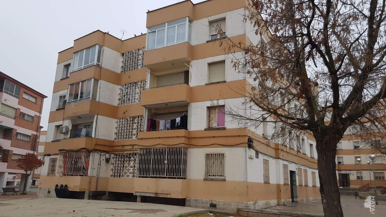 Piso en venta en La Mariola, Lleida, Lleida, Calle Gaspar de Portola, 50.500 €, 4 habitaciones, 2 baños, 93 m2