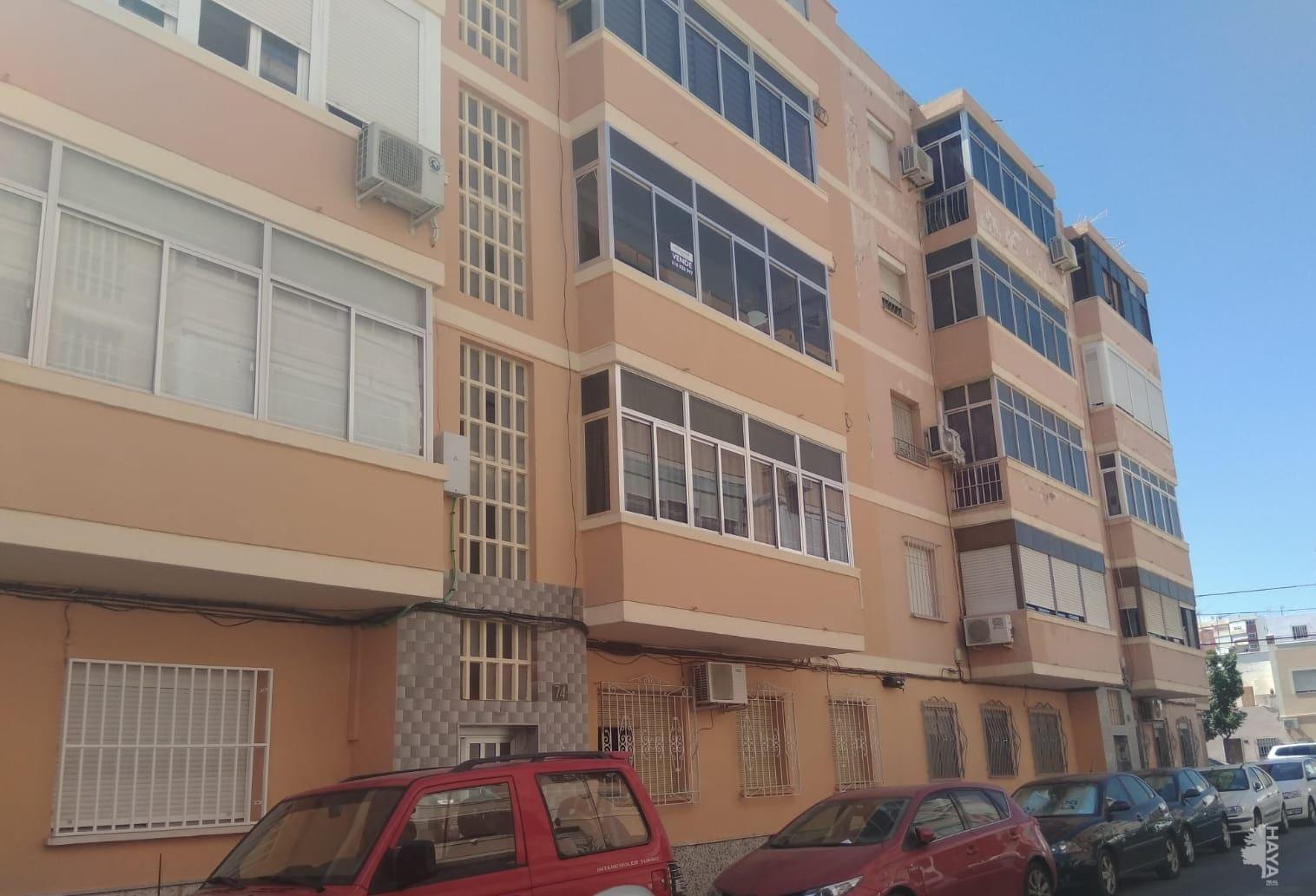 Piso en venta en Regiones Devastadas, Almería, Almería, Calle Santa Marta, 84.420 €, 3 habitaciones, 1 baño, 81 m2