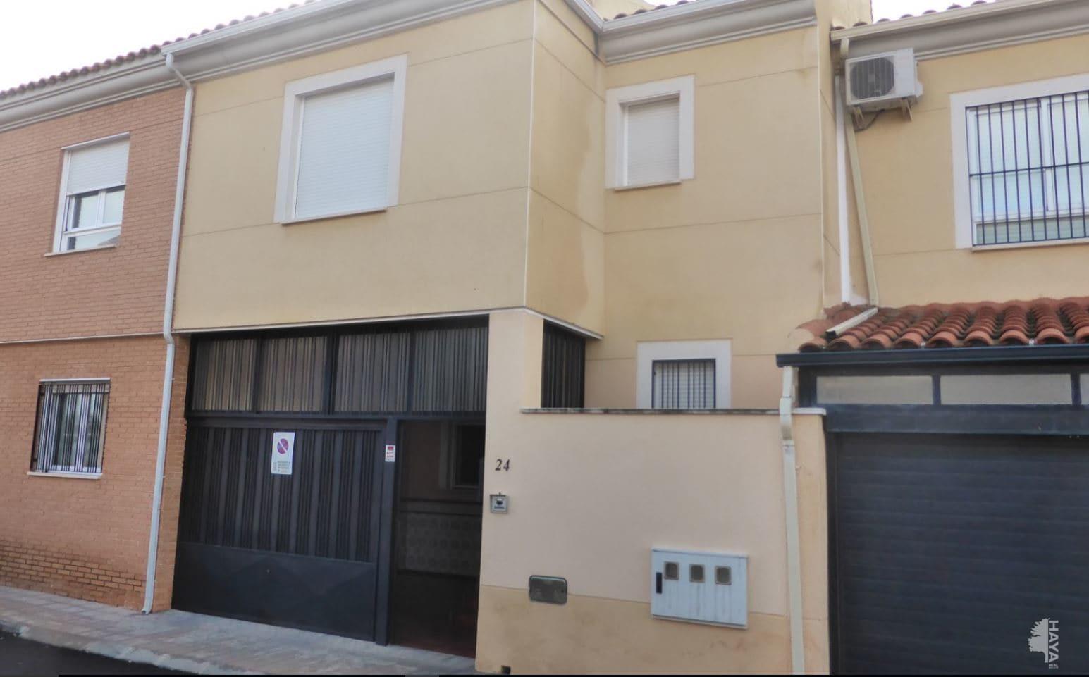 Piso en venta en Argamasilla de Calatrava, Ciudad Real, Calle Manzana, 83.300 €, 3 habitaciones, 3 baños, 121 m2