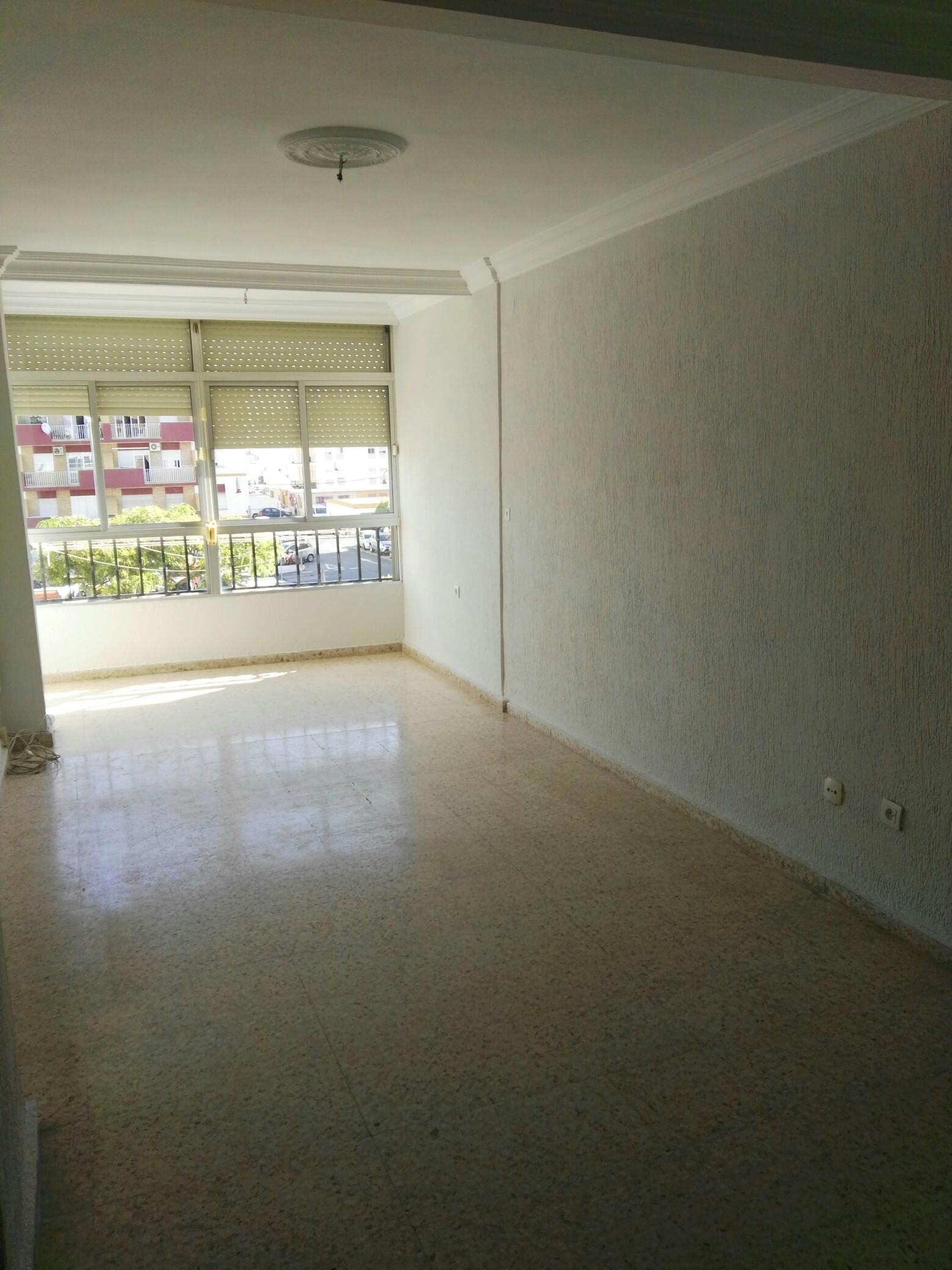 Piso en venta en Ayamonte, Huelva, Calle Punta Umbría, 70.000 €, 3 habitaciones, 1 baño, 93 m2
