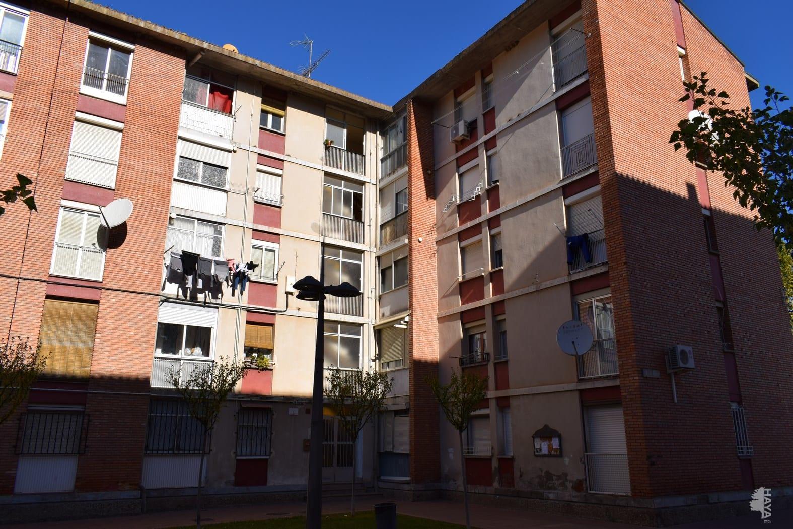 Piso en venta en Barbastro, Barbastro, Huesca, Calle Fornillos, 29.000 €, 2 habitaciones, 1 baño, 91 m2