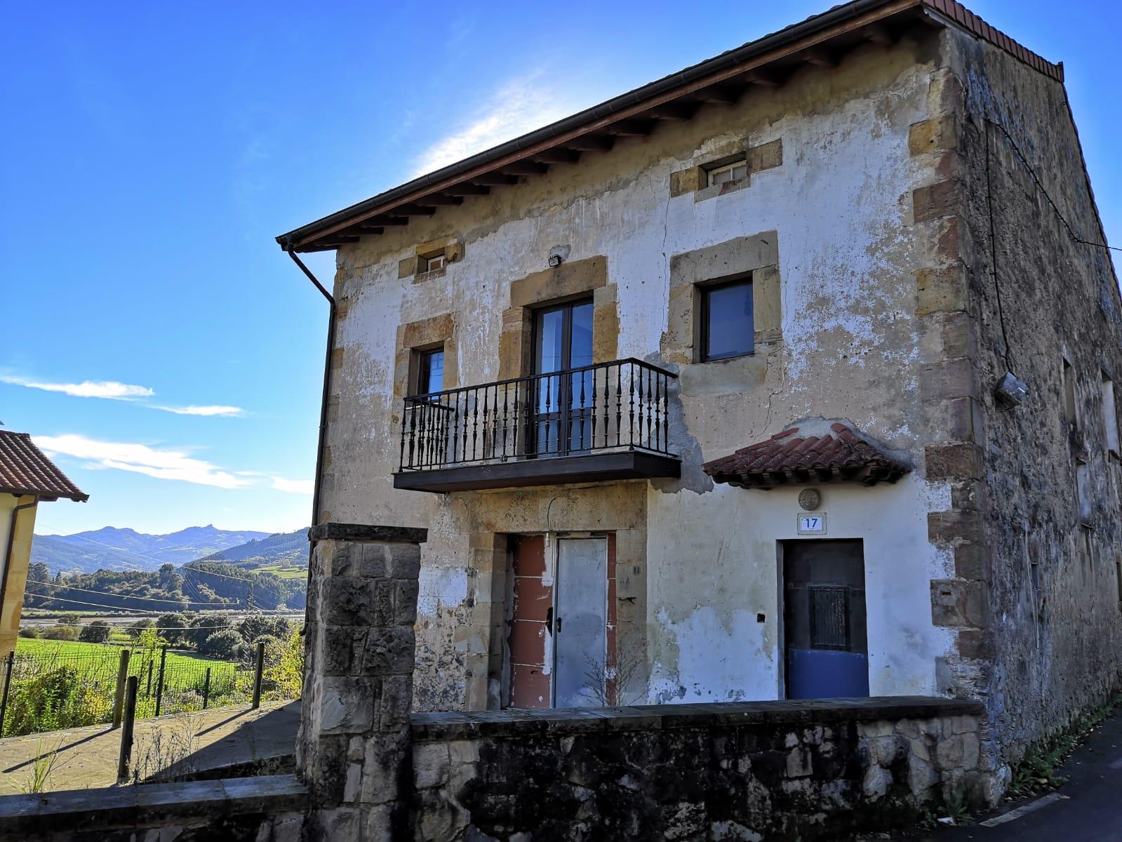 Casa en venta en Barcena de Cicero, Bárcena de Cicero, Cantabria, Calle Primosto, 118.000 €, 4 habitaciones, 2 baños, 355 m2
