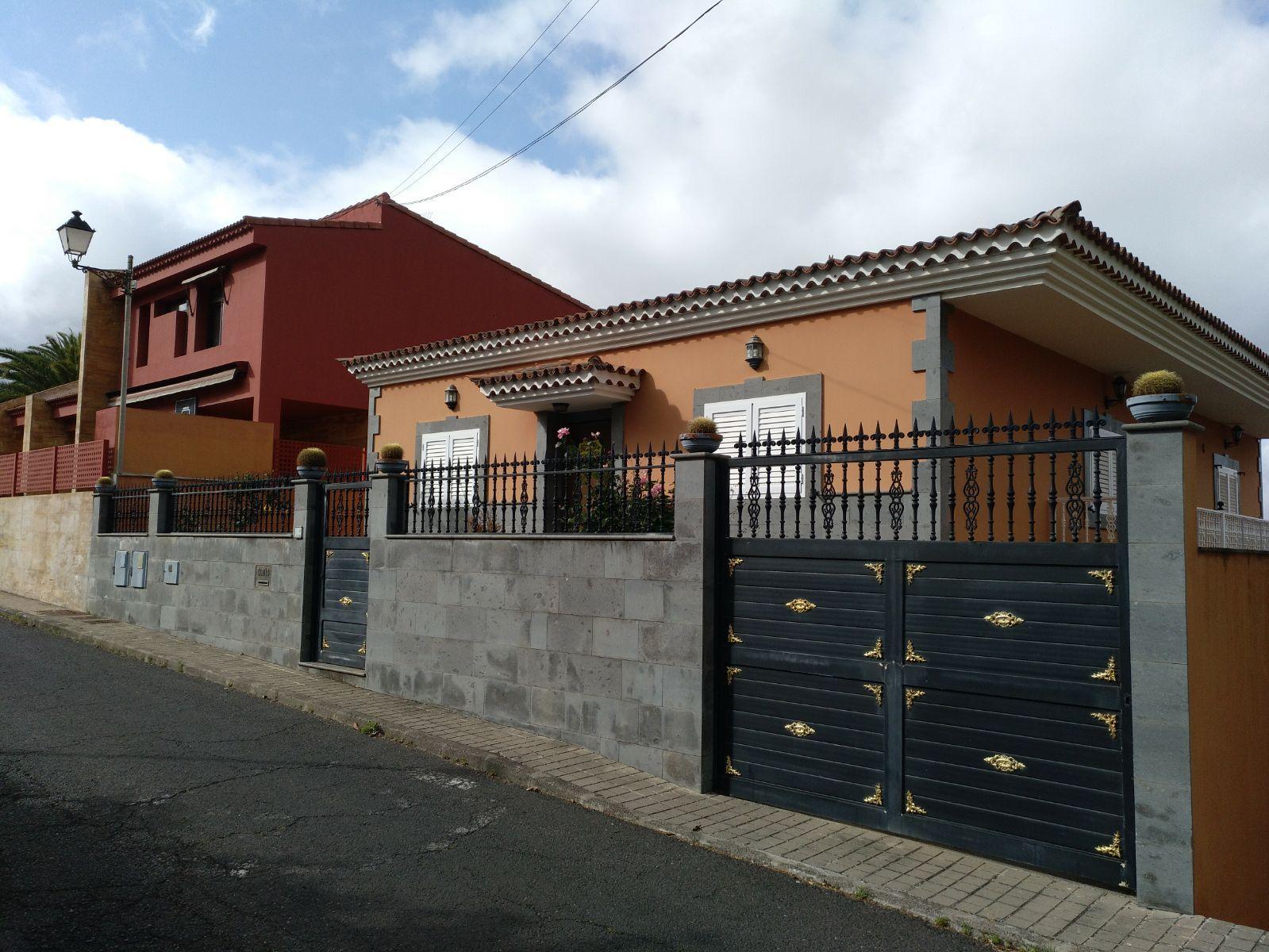 Casa en venta en San José de la Vegas, Santa Brígida, Las Palmas, Calle Jose Cabrera Ramirez, 354.500 €, 5 habitaciones, 1 baño, 291 m2