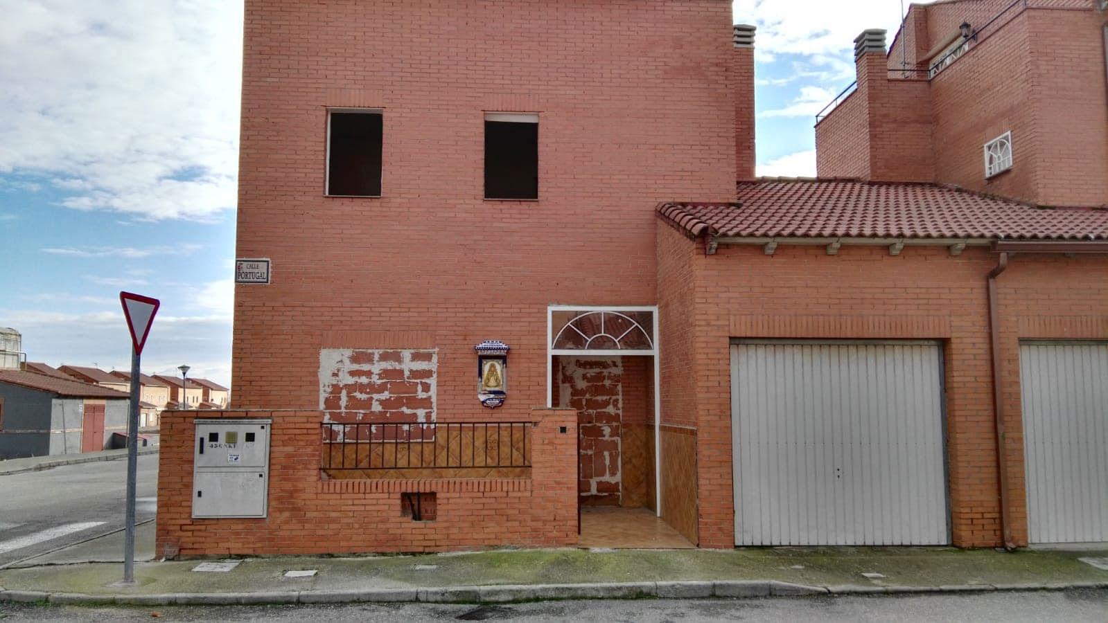 Casa en venta en Chozas de Canmales, Chozas de Canales, Toledo, Calle Portugal, 95.337 €, 4 habitaciones, 1 baño, 178 m2