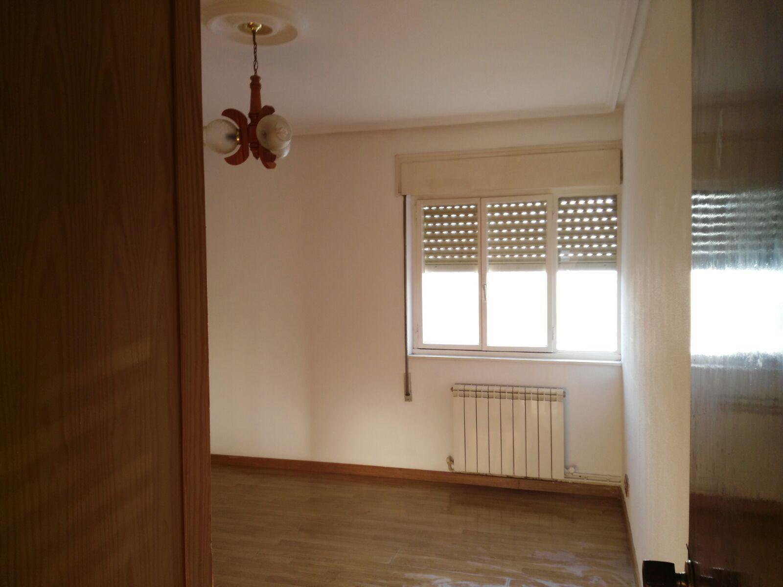 Piso en venta en Lugo de Llanera, Llanes, Asturias, Calle Agustín González, 41.000 €, 3 habitaciones, 1 baño, 88 m2