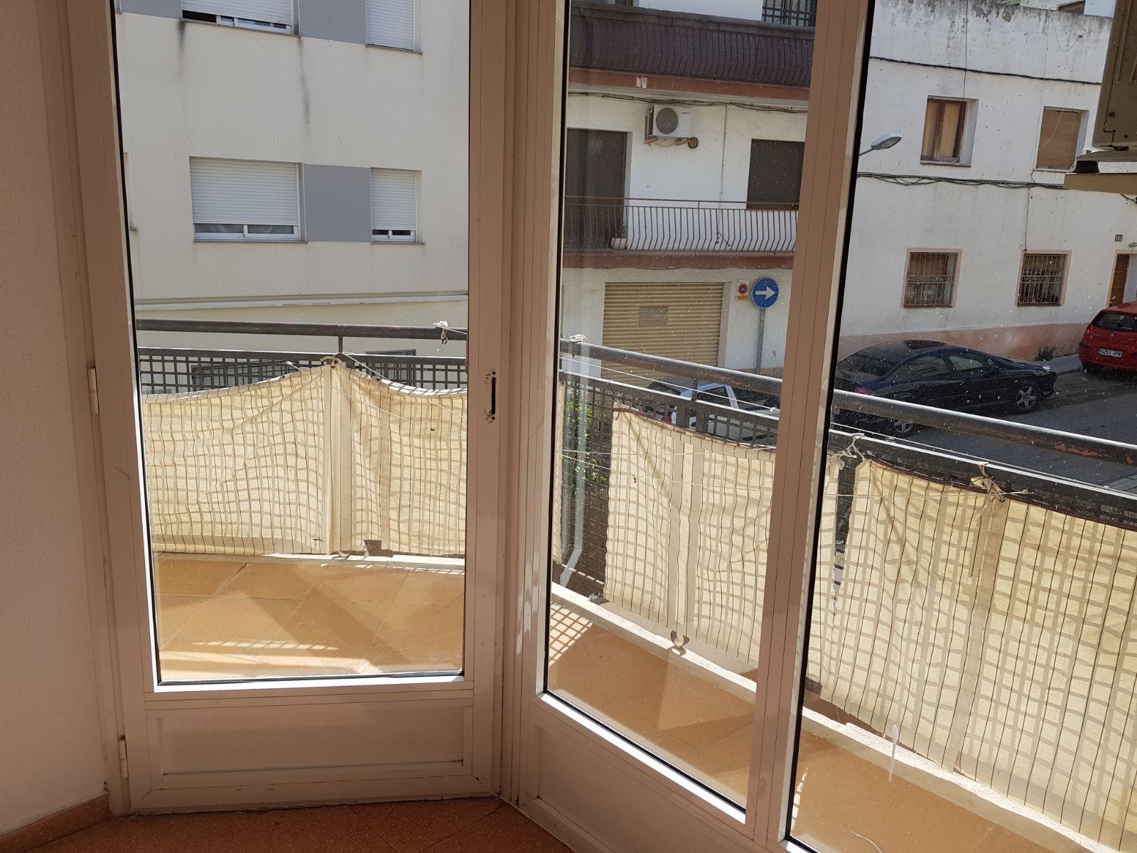 Piso en venta en Sant Pere de Ribes, Barcelona, Calle Barcelona, 135.000 €, 3 habitaciones, 1 baño, 85 m2