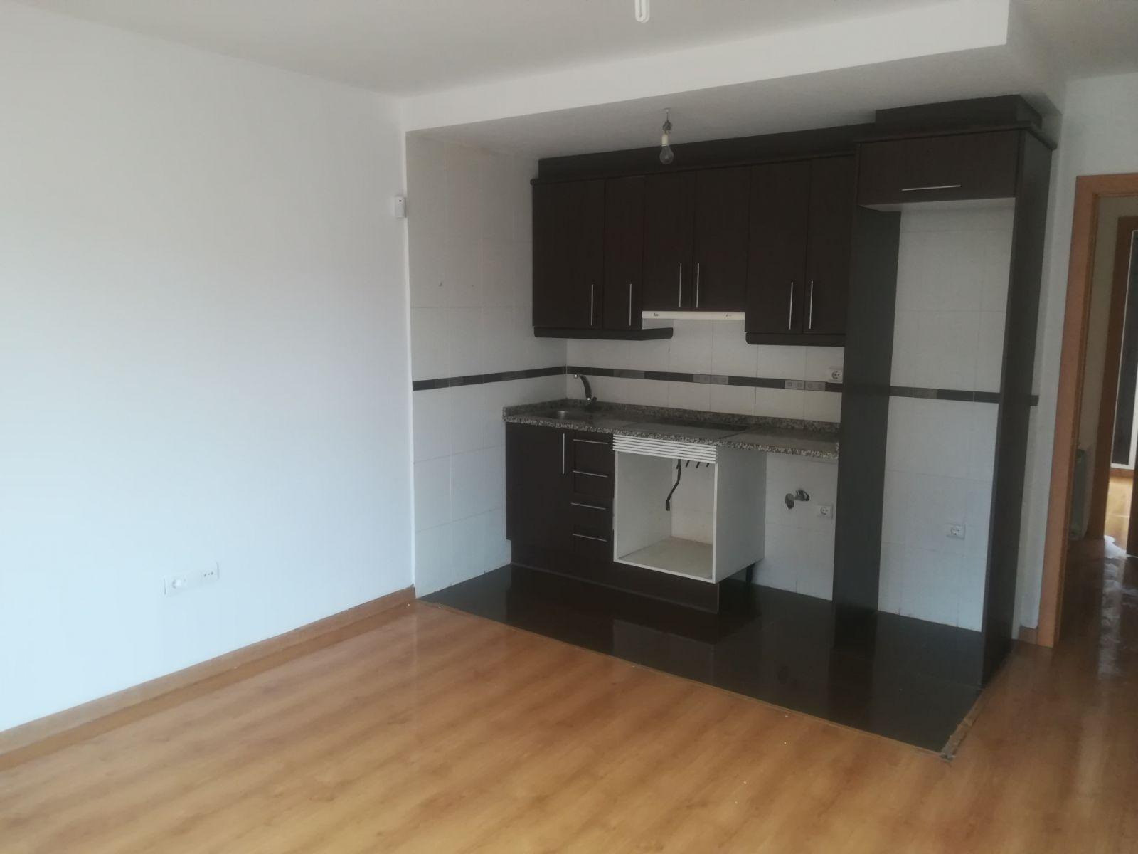 Piso en venta en Sabiñánigo, Huesca, Calle Mariano Sanchez Gaston, 71.000 €, 2 habitaciones, 1 baño, 46 m2