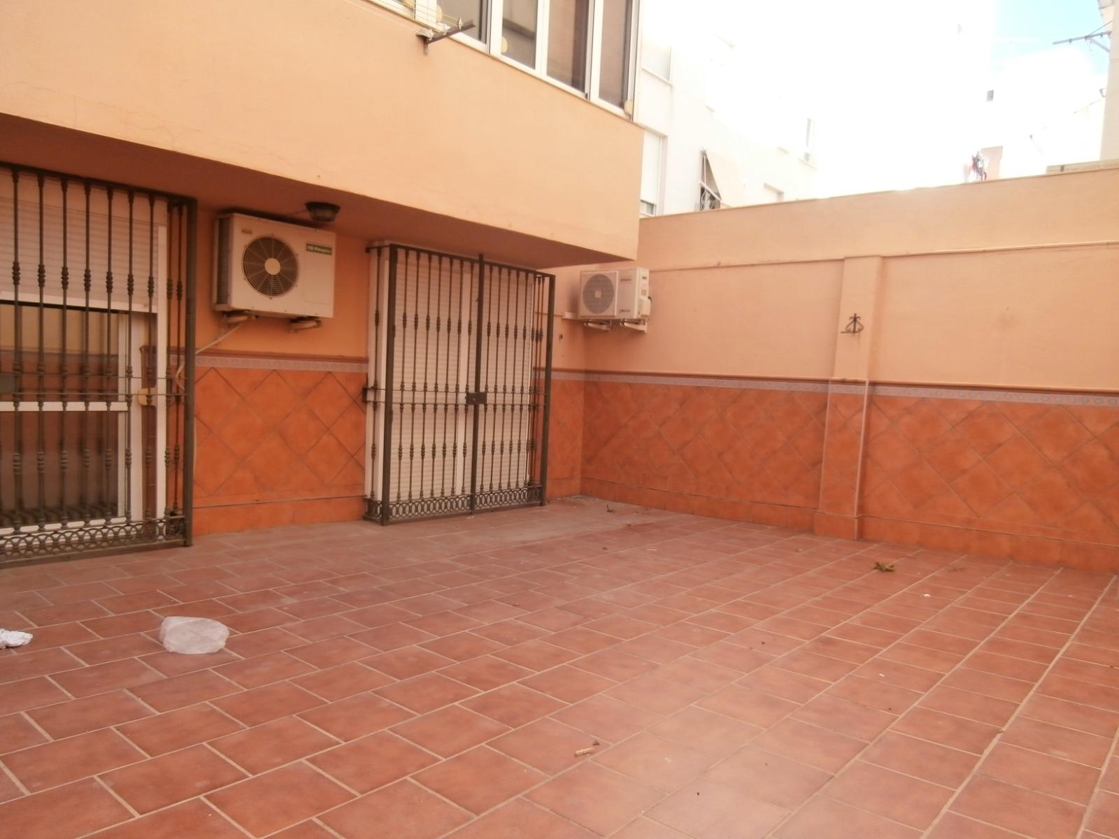 Piso en venta en Carretera de Cádiz, Málaga, Málaga, Calle Heroe Sostoa, 153.000 €, 3 habitaciones, 2 baños, 102 m2