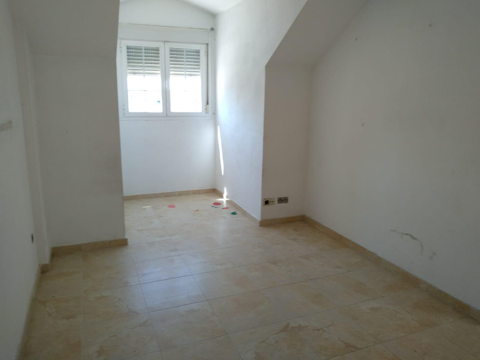 Piso en venta en Pradillos, Yeles, Toledo, Avenida Antonio Sarabia, 82.000 €, 2 habitaciones, 1 baño, 93 m2