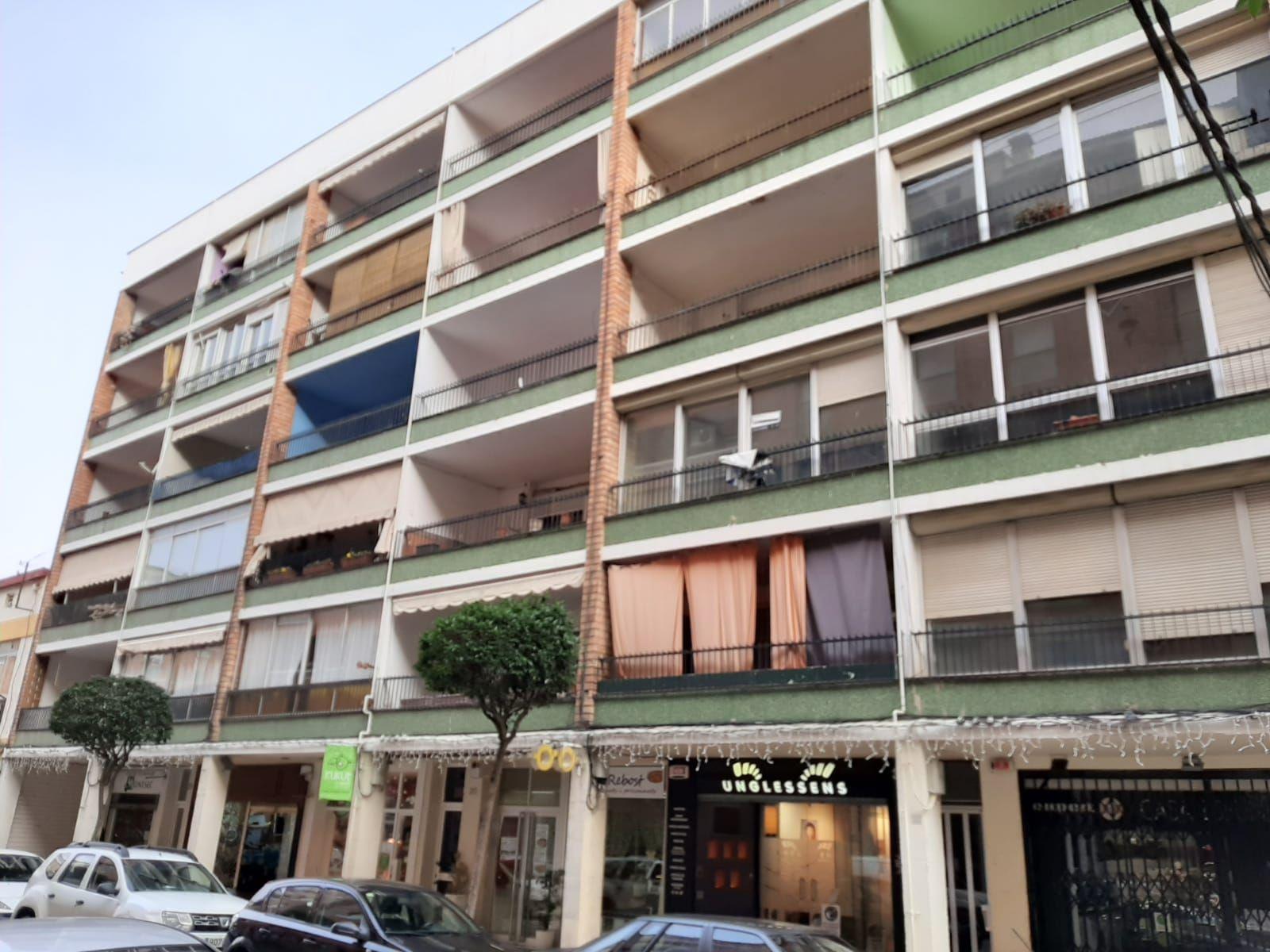 Piso en venta en Balaguer, Lleida, Calle Padre Sanahuja, 33.800 €, 3 habitaciones, 1 baño, 127 m2
