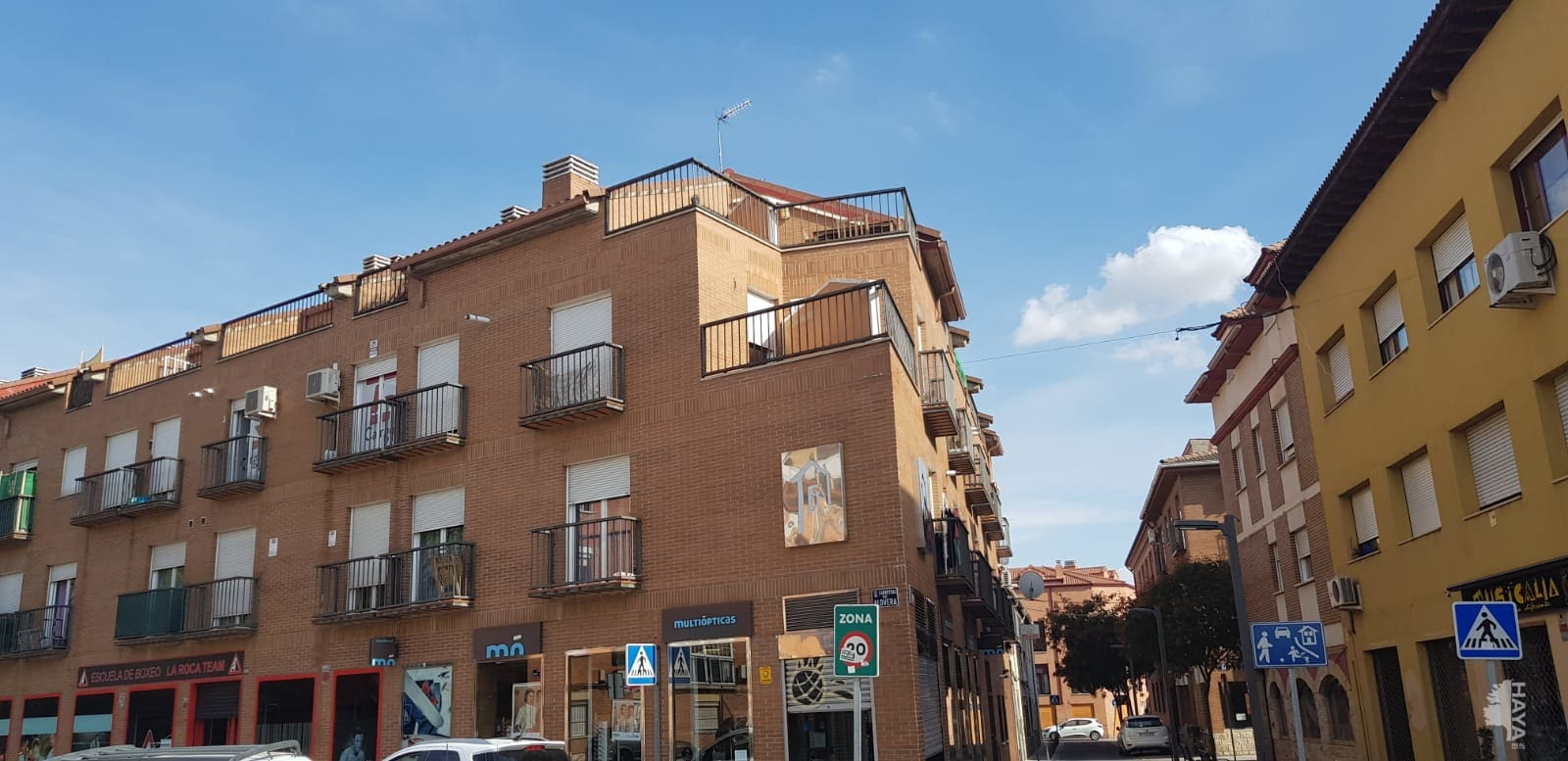 Piso en venta en Azuqueca de Henares, Guadalajara, Calle la Eras, 83.000 €, 1 habitación, 1 baño, 79 m2