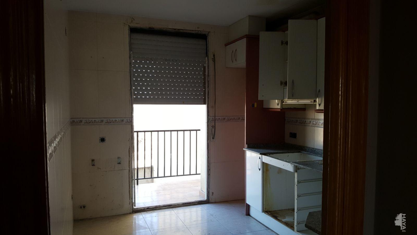 Casa en venta en Linyola, Lleida, Calle Reina Sofia, 161.510 €, 4 habitaciones, 1 baño, 196 m2