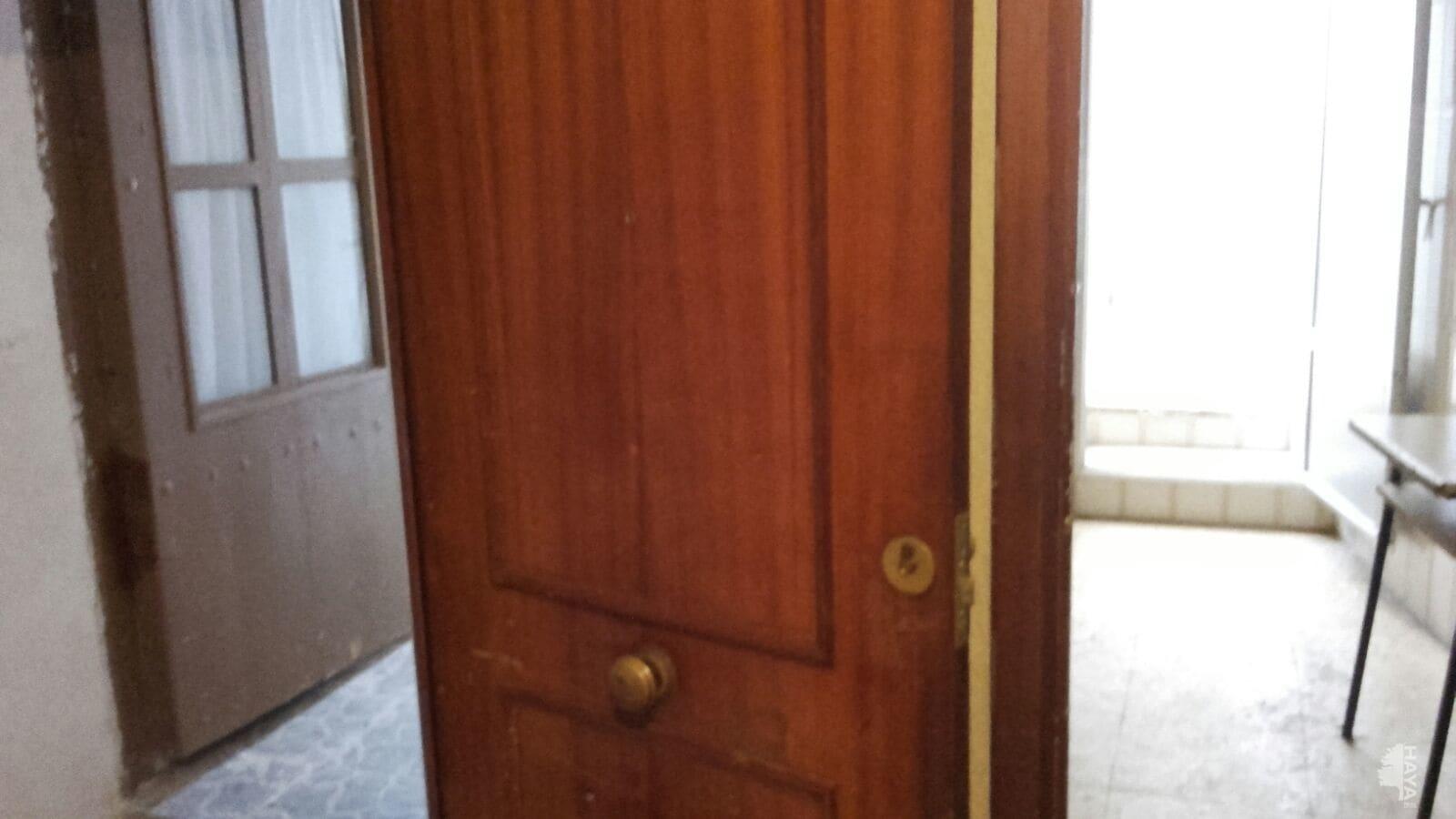 Piso en venta en Hellín, Albacete, Calle Bernales, 49.129 €, 4 habitaciones, 2 baños, 116 m2