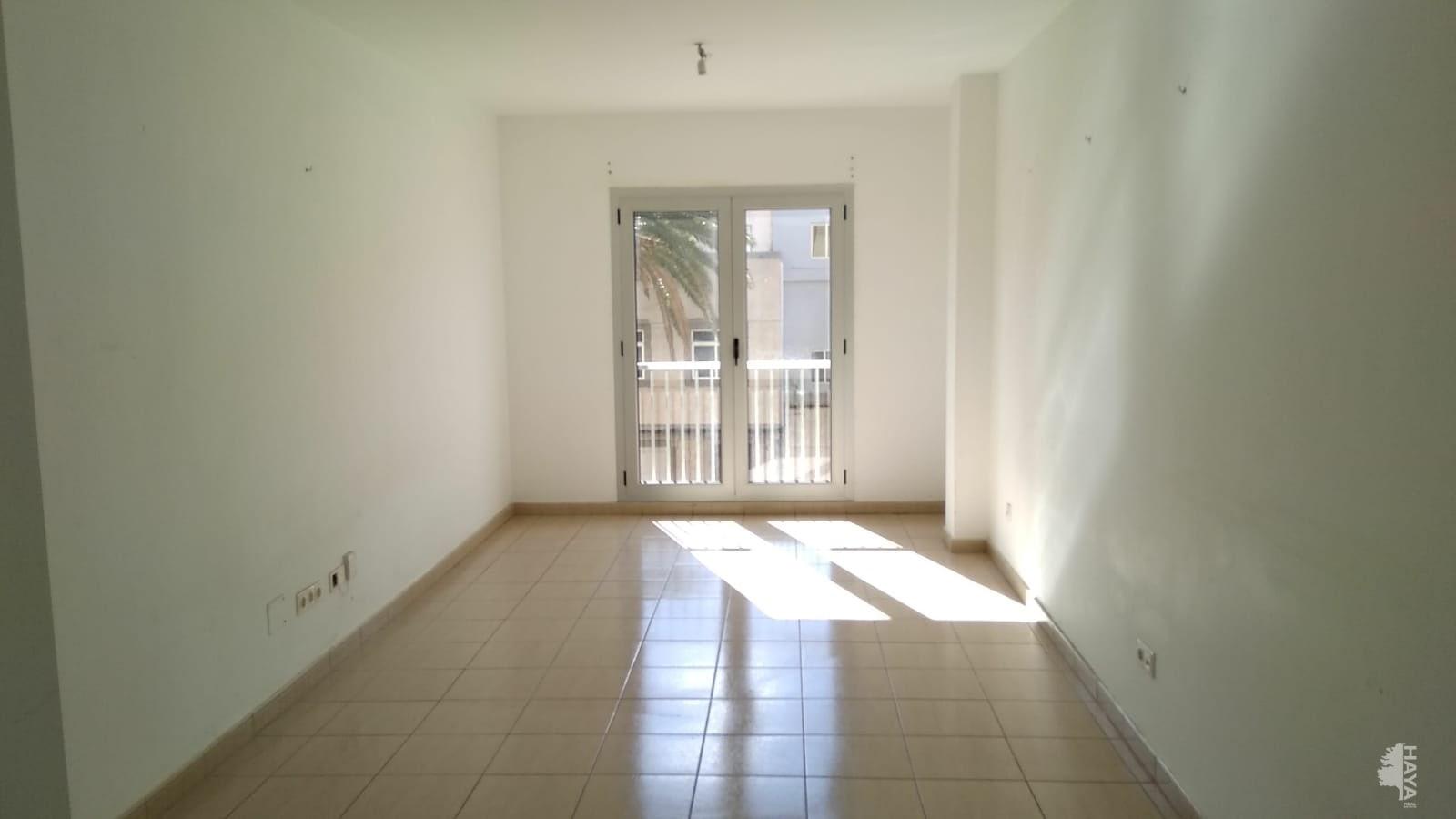 Piso en venta en Santa Lucía de Tirajana, Las Palmas, Calle Delicias, 79.000 €, 3 habitaciones, 1 baño, 102 m2