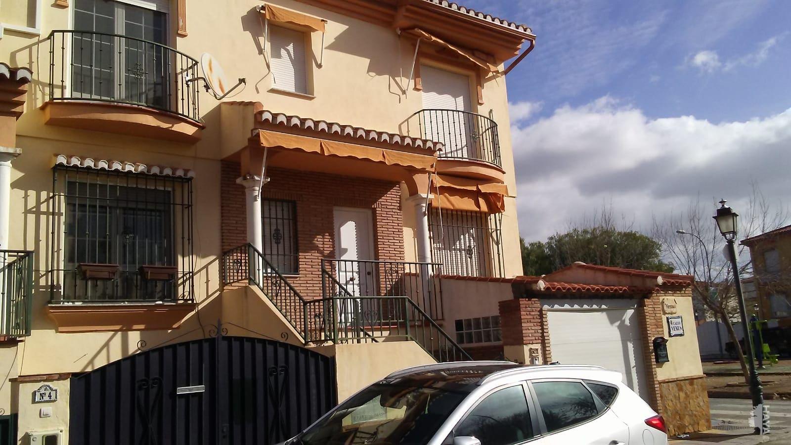 Casa en venta en Vegas del Genil, Granada, Calle Venus, 123.761 €, 3 habitaciones, 1 baño, 171 m2