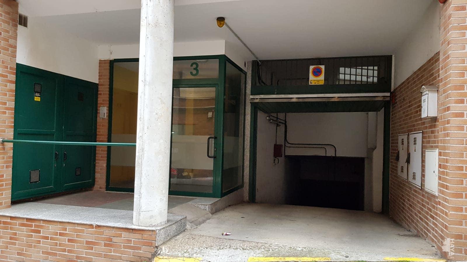 Piso en venta en Piso en Lena, Asturias, 97.000 €, 3 habitaciones, 1 baño, 123 m2