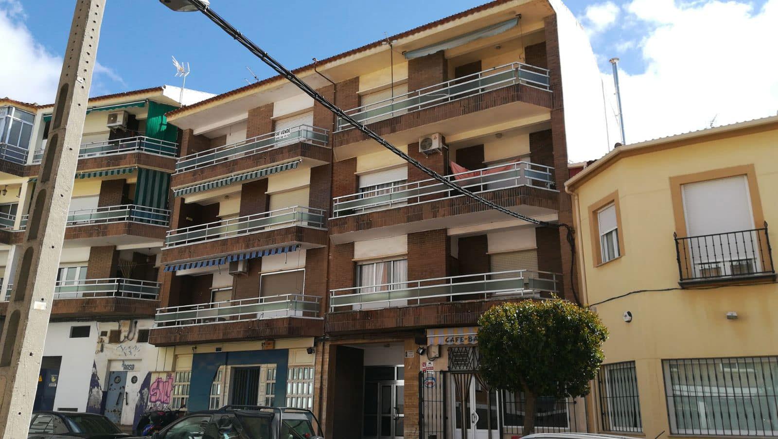 Piso en venta en Campo de Criptana, Ciudad Real, Calle Republica Argentina, 44.000 €, 4 habitaciones, 1 baño, 117 m2
