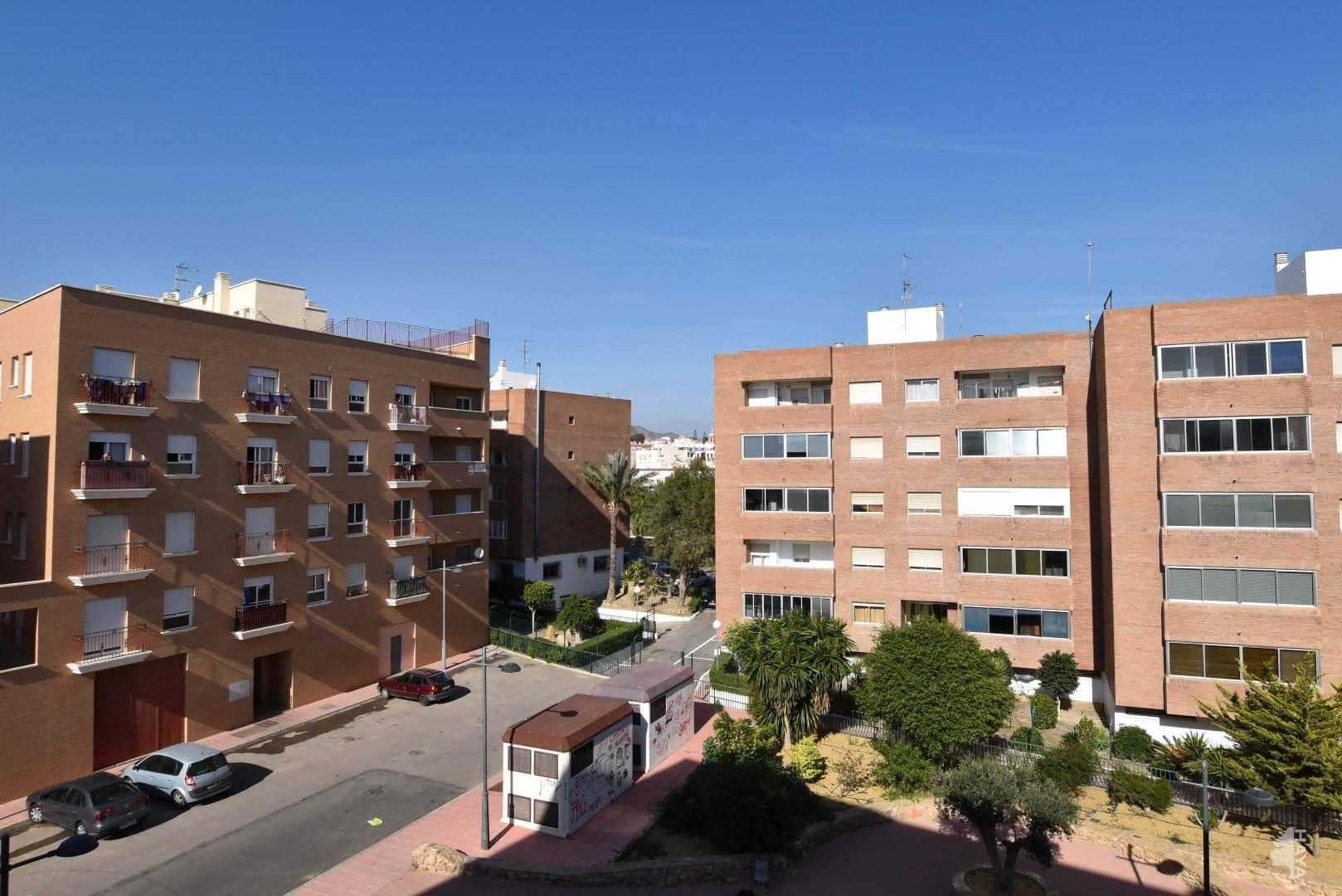 Piso en venta en Cuevas del Almanzora, Almería, Calle Azud (el), 59.000 €, 3 habitaciones, 2 baños, 81 m2