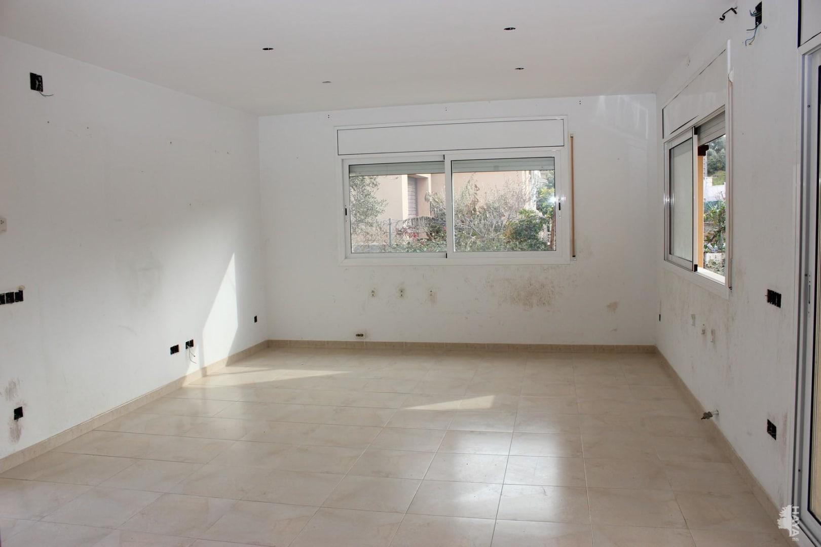 Casa en venta en La Muntanyeta, El Vendrell, Tarragona, Calle Comtes de Barcelona, 230.000 €, 3 habitaciones, 2 baños, 221 m2