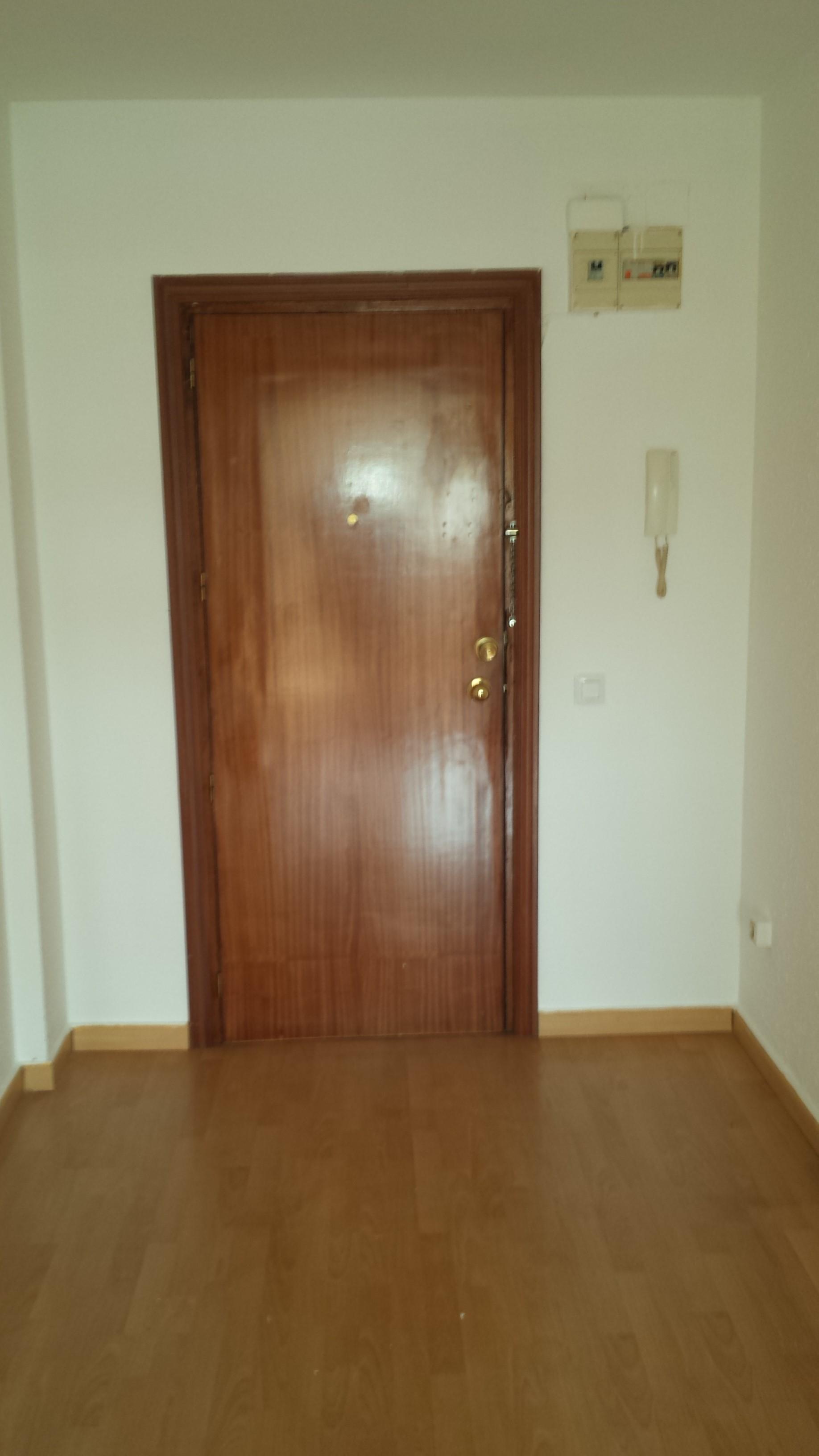 Piso en venta en Mérida, Mérida, Badajoz, Calle Juan Carlos I, 93.000 €, 3 habitaciones, 1 baño, 112 m2