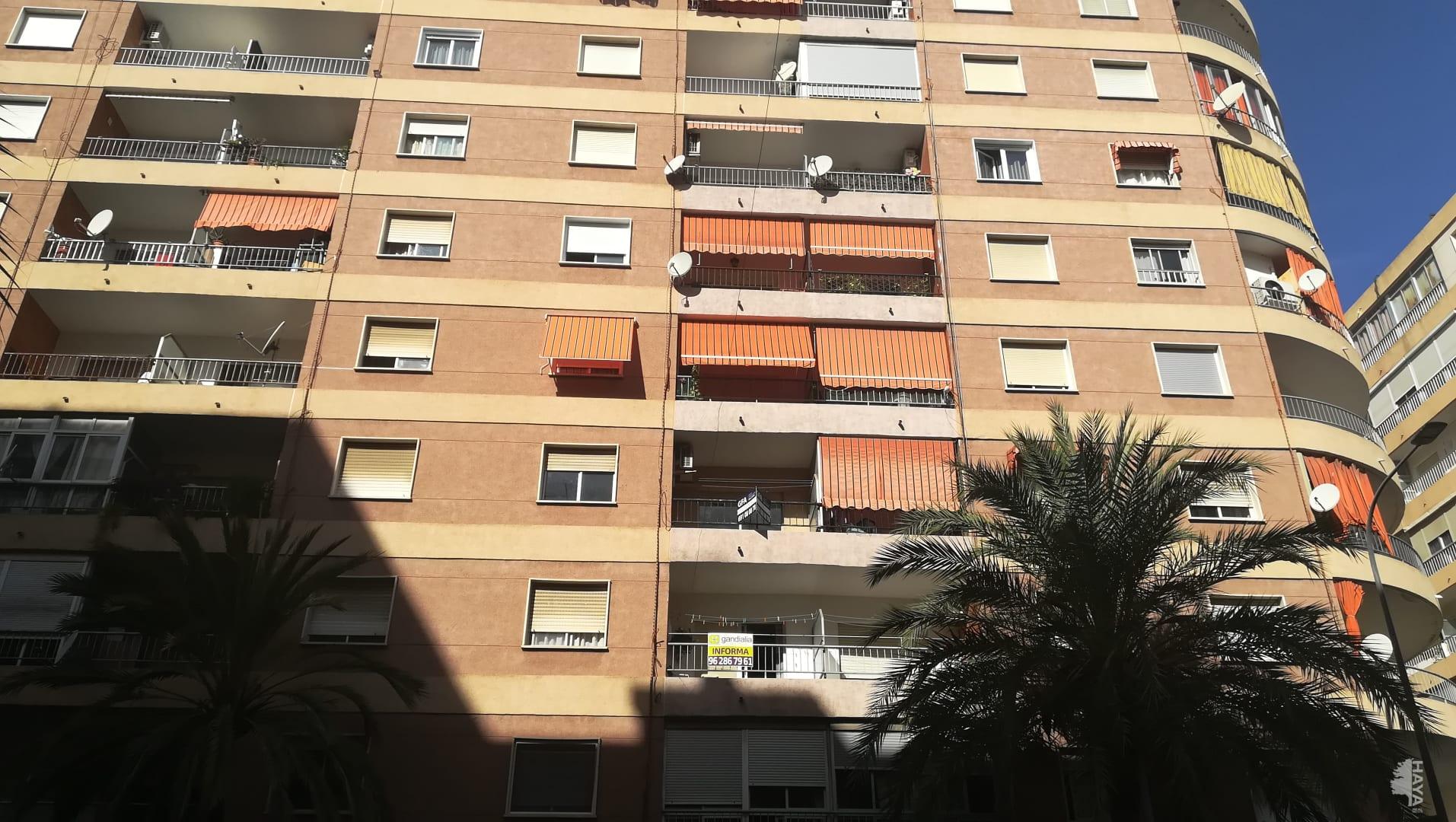 Piso en venta en Gandia, Valencia, Avenida Republica Argentina, 95.700 €, 4 habitaciones, 2 baños, 95 m2