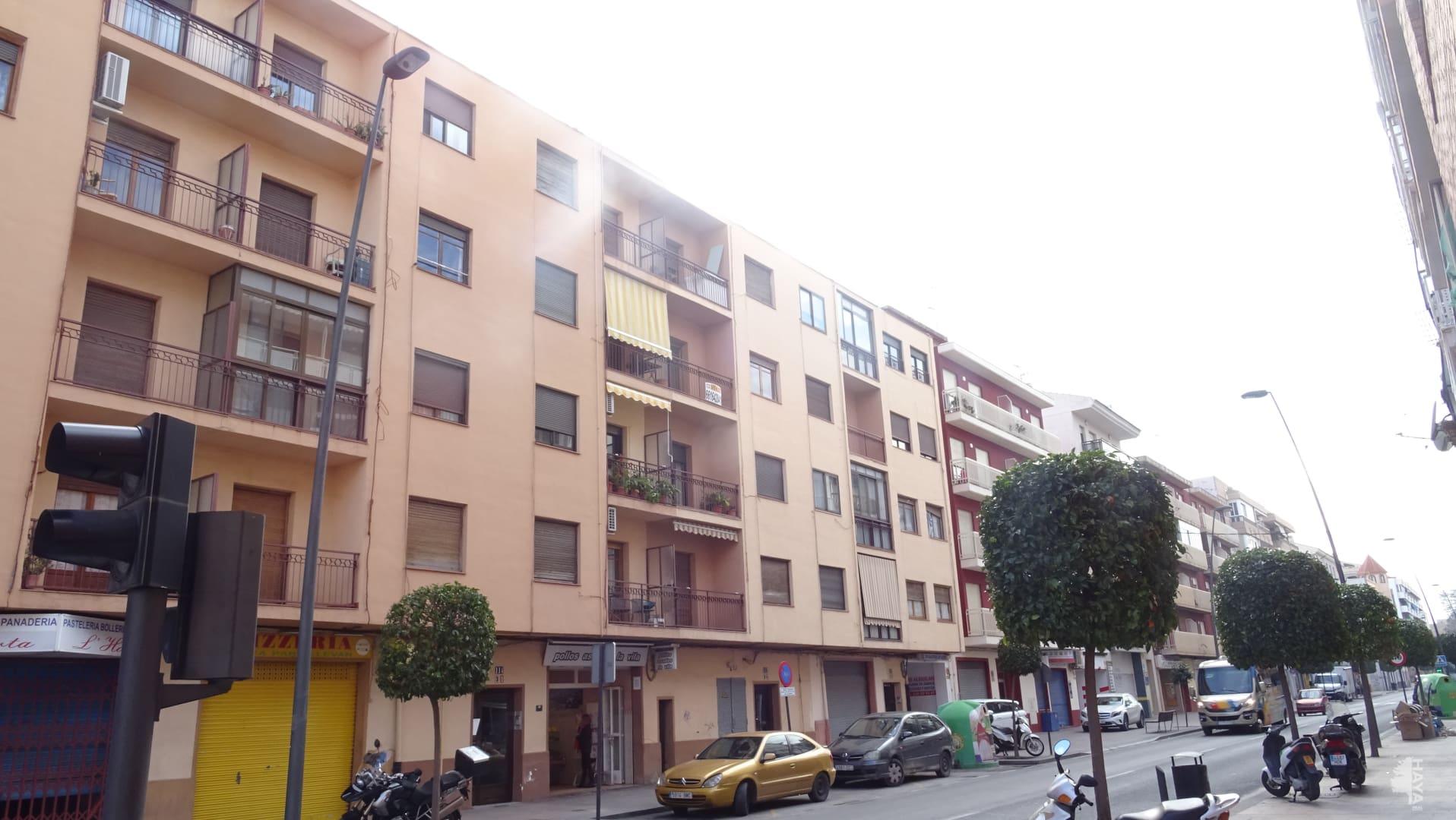 Piso en venta en La Villajoyosa/vila, Alicante, Calle Colon, 66.825 €, 4 habitaciones, 1 baño, 99 m2