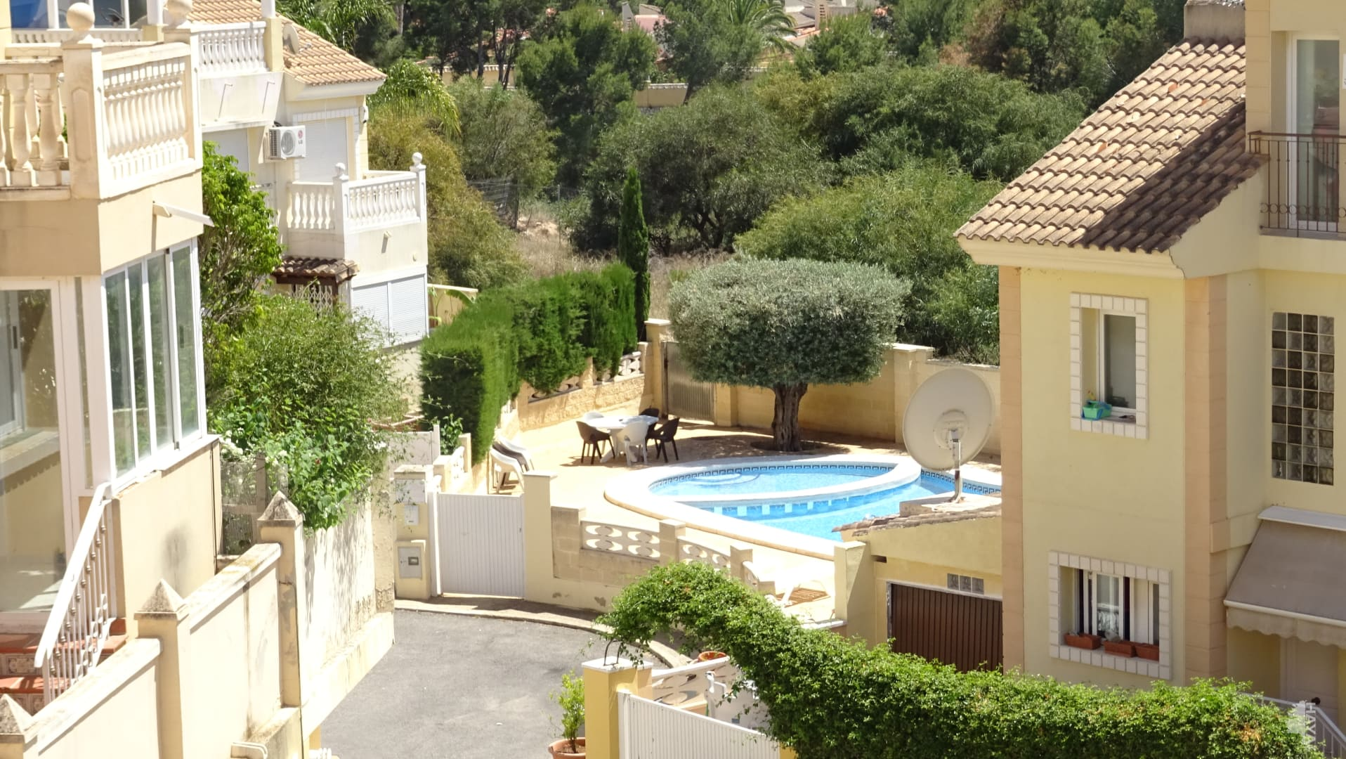 Casa en venta en La Nucia, Alicante, Calle Baladre, 147.741 €, 3 habitaciones, 2 baños, 147 m2