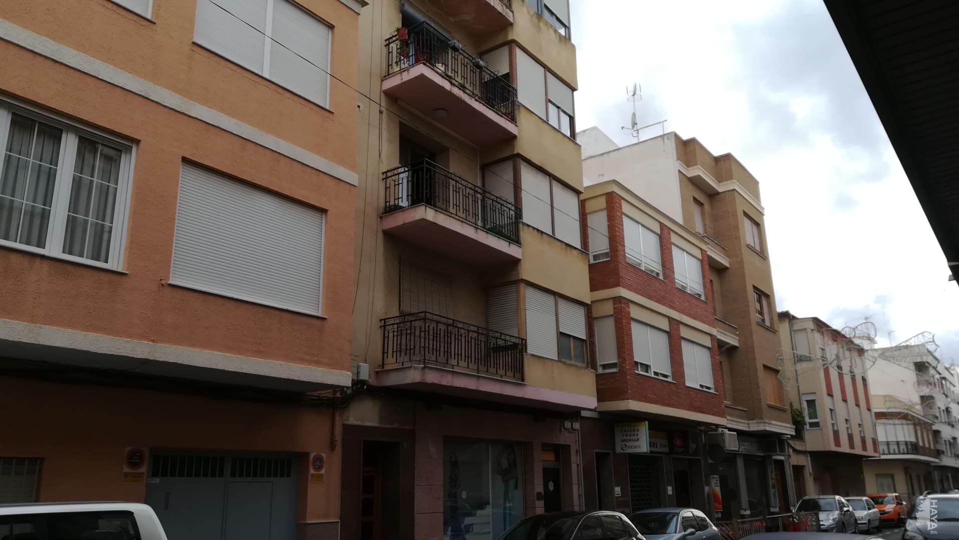 Piso en venta en Novelda, Novelda, Alicante, Calle Maestro Ramis, 37.863 €, 4 habitaciones, 1 baño, 136 m2