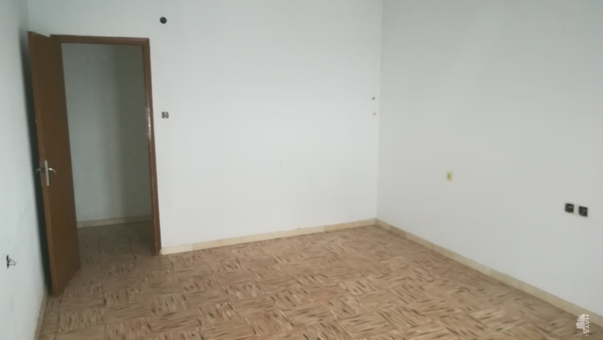 Piso en venta en Piso en Novelda, Alicante, 43.520 €, 4 habitaciones, 1 baño, 136 m2
