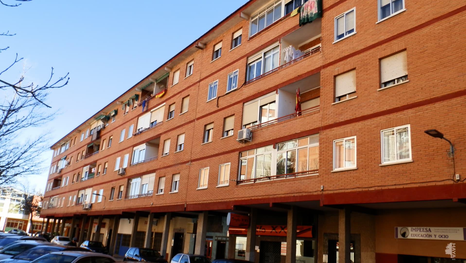Piso en venta en Azuqueca de Henares, Guadalajara, Calle Burgos, 65.649 €, 2 habitaciones, 1 baño, 59 m2