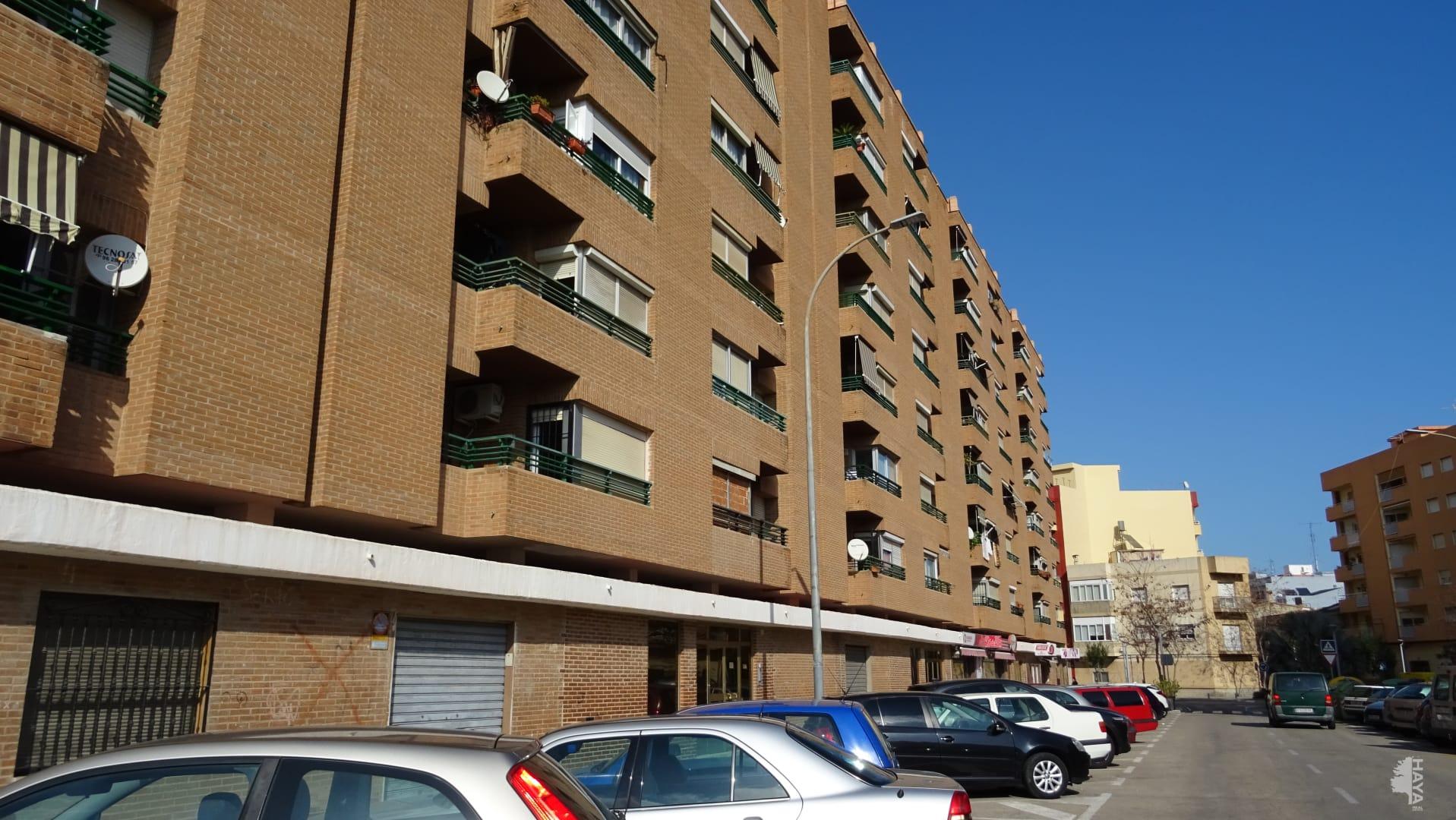 Piso en venta en Gandia, Valencia, Calle Real de Gandia, 91.500 €, 2 baños, 133 m2