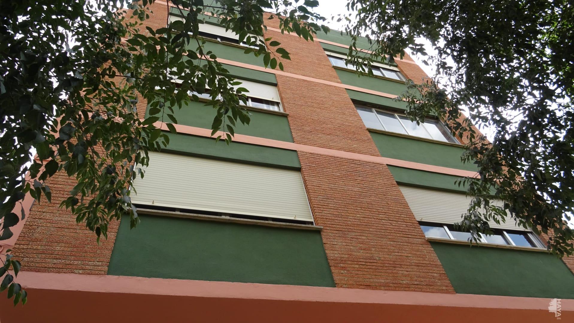 Piso en venta en Castellón de la Plana/castelló de la Plana, Castellón, Calle Villarreal, 115.000 €, 3 habitaciones, 1 baño, 94 m2