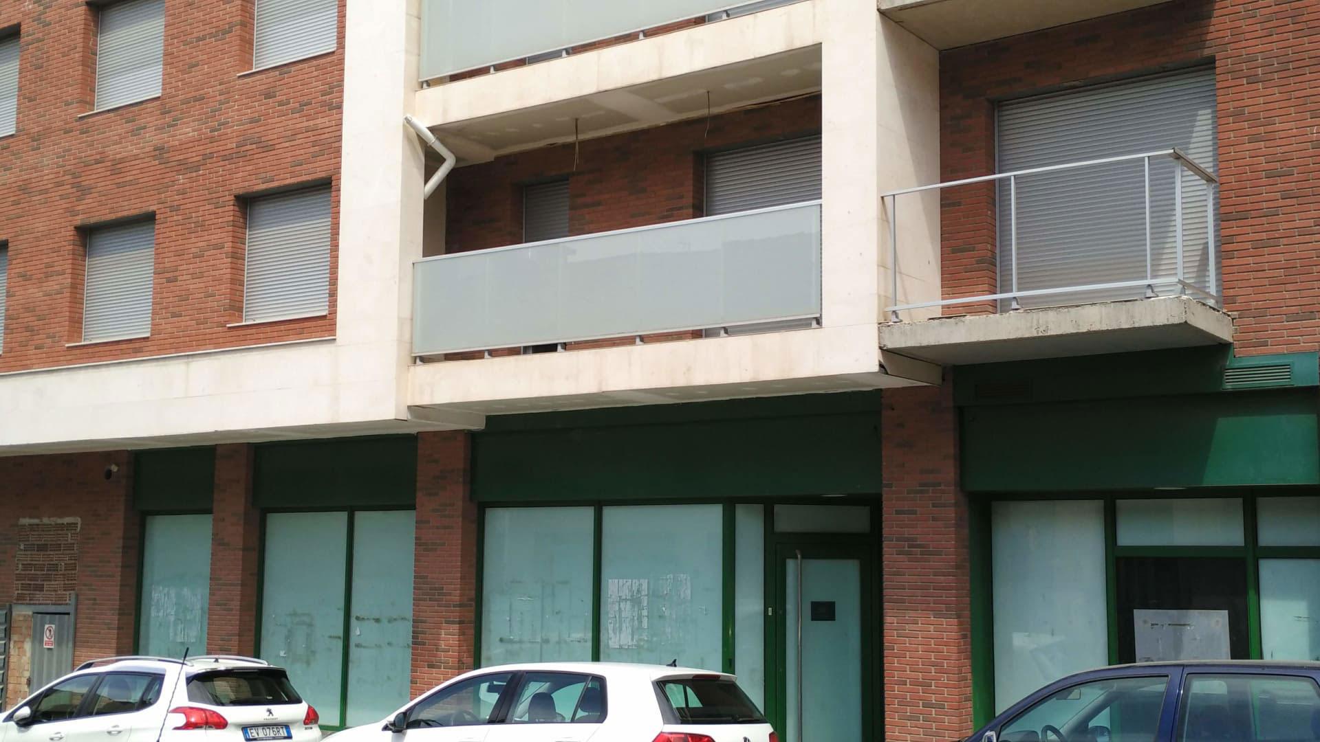 Local en venta en Bellpuig, Lleida, Plaza Folch Ramon, 463.013 €, 171 m2