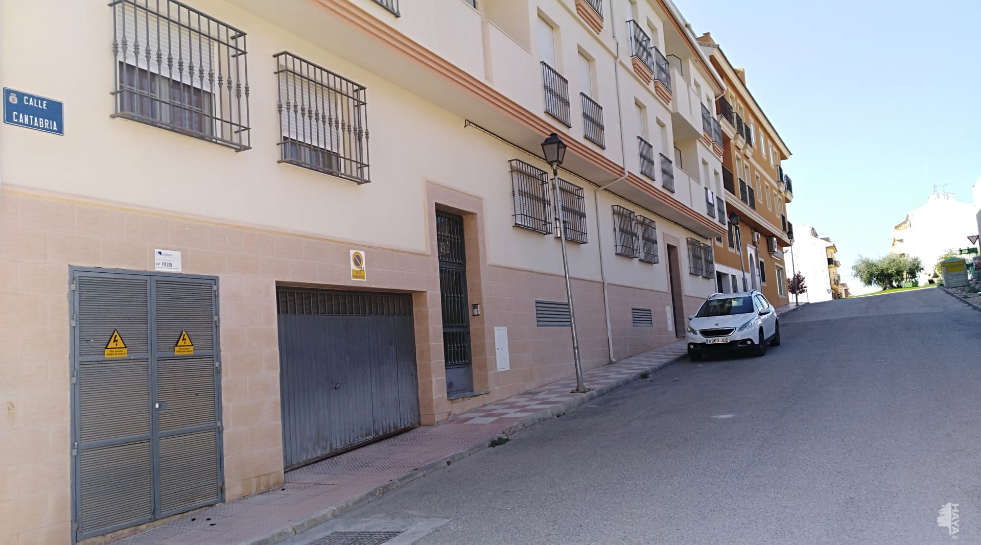 Piso en venta en Mancha Real, Jaén, Calle Cantabria, 68.659 €, 2 habitaciones, 6 baños, 96 m2