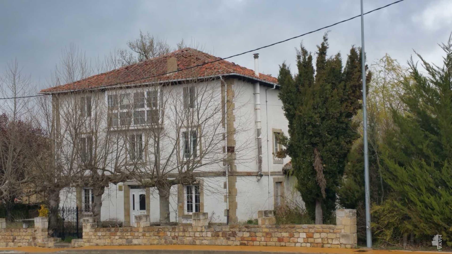 Casa en venta en Las Rozas de Valdearroyo, Cantabria, Calle Poblado Llano, 169.500 €, 7 habitaciones, 2 baños, 876 m2