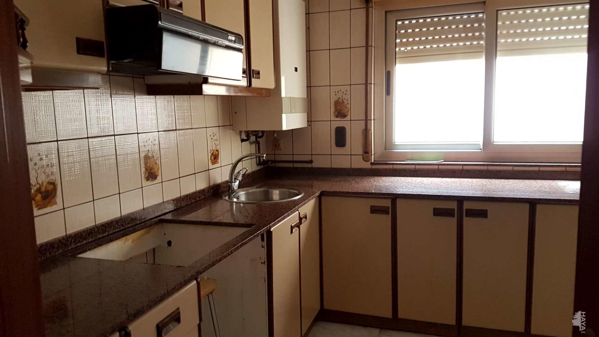 Piso en venta en Piso en Corvera de Asturias, Asturias, 62.560 €, 3 habitaciones, 1 baño, 94 m2