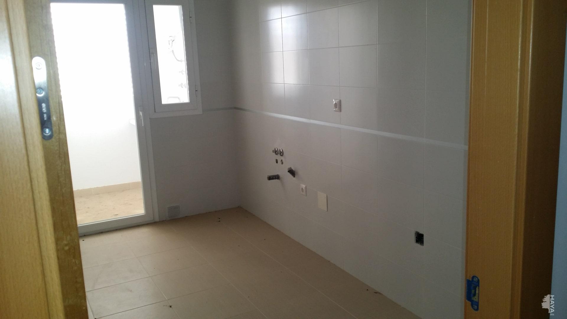 Piso en venta en Piso en Olula del Río, Almería, 72.100 €, 3 habitaciones, 1 baño, 98 m2