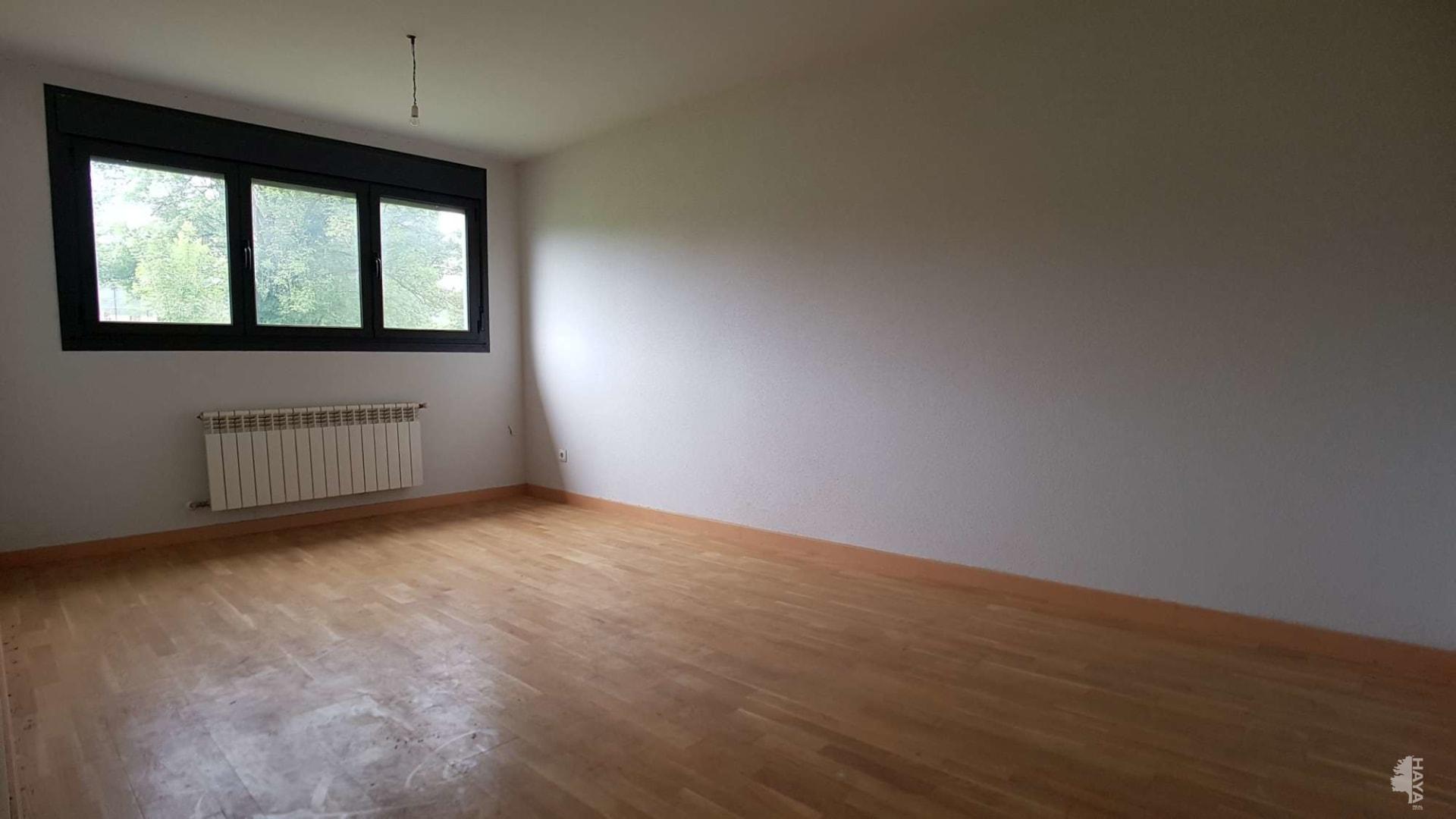 Piso en venta en Siero, Asturias, Calle Partida Plan Especial Siero-este 13/vpa, 87.300 €, 2 habitaciones, 1 baño, 153 m2